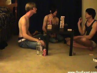 Chicos desnudos este es un video largo para ti tipos de voyeur que les gusta la idea de