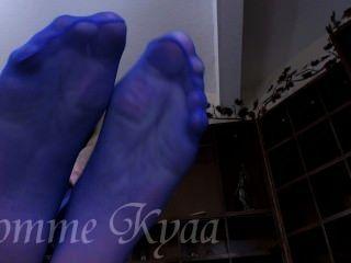 Adorar a sus pies grandes pantyhose azul