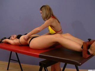 Katherine cosquillas en bikini