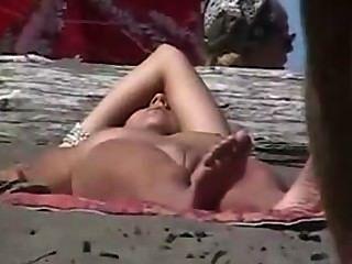 Voyeurs de playa espiar nudistas