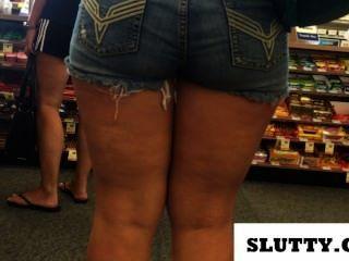 Botín grande en pantalones cortos jean