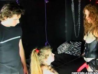 Katie es castigada en tres