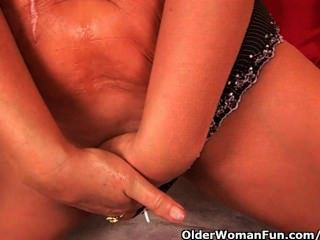 Abuela tiene un cuerpo hecho para el placer instantáneo