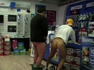 Un cliente es jodido por un vendedor photo boutik cámara oculta!Mira !!!!