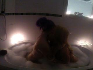 Billie bancos diversión en la bañera