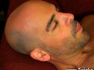 Película gay que consigue phillip chupar su vara antes de envolver sus propios labios