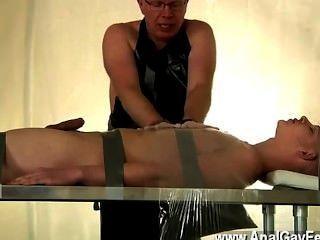 Video gay atado y a merced de su papi, alex se hace a