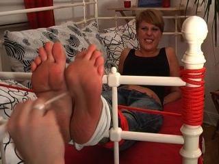Las chicas de pies chiflan mis pies