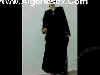 Baile iraquí en ropa interior sexy