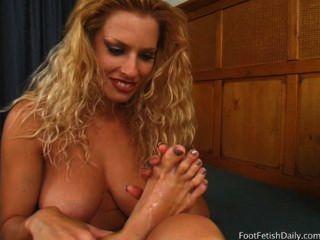 Goldie solo y sus pies sexy