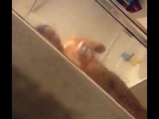 Espiando en gf en la ducha