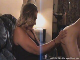 Esposa toma fotos de hombre desnudo