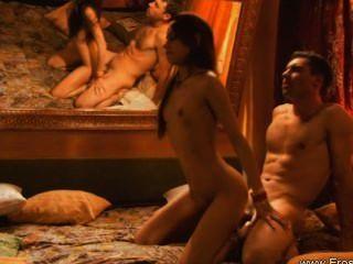 Posiciones sexuales exóticas las aprenden