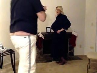 ¡La criada enorme del blonde del tit del craigslist necesita efectivo rápidamente!