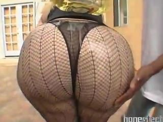 Masiva grasa butt maduro bbw en sexy medias al aire libre