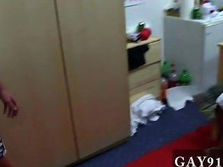 Gallo gay hey chicos, por lo que esta semana tenemos un video muy asomado de algunos