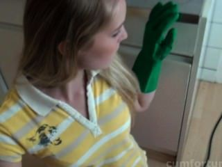 Rosa se deleita en la cocina