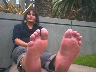 Señora tiene pés horrible olor de pisos