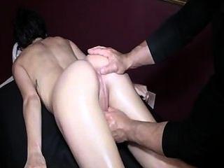 Gran puño en el culo y squirt 2 chica