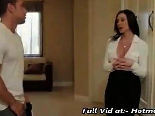 Madre seduciendo a su hijo de paso para el sexo padre no en casa hotmoza.com
