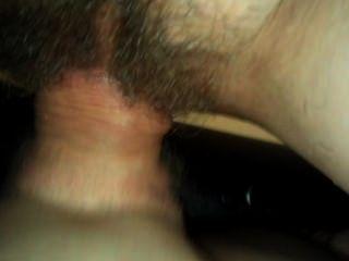 Cerca de coño peludo maduro follando