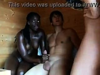 Trío interracial wh.girl wh.Chiconiña