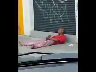 Flagra de punhetero en la calle
