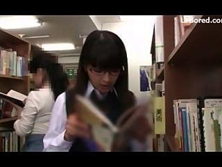 Colegiala perforada por biblioteca geek 01
