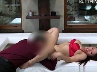 Chica de 18 años de edad anal