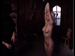 Esclava rubia desnuda