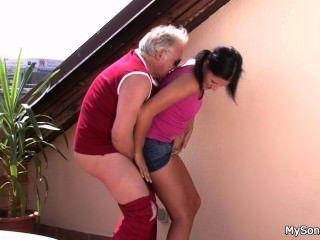 El tipo ve gf hacer trampa con oldman