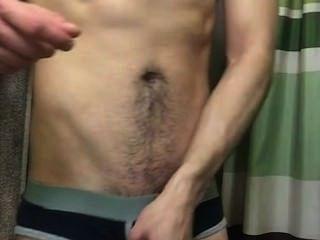 Str8 chico se extiende mejillas culo