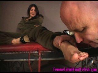 Adoración de pies de jazmín