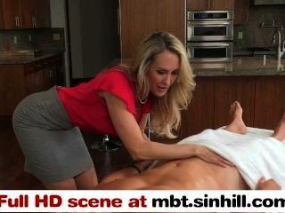 Mamá rubia mamá grande enseña a su hija adolescente a golpear mbt.sinhill.com