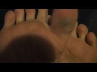 Los pies de sarah blake sean mi limpiador del pie de la hora de acostarse
