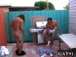 Sexo gay caliente por lo que estas personas se vuelven creativas.Un par de los ancianos frat