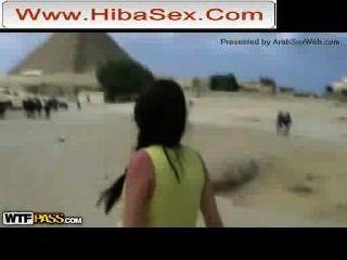 Indignación por el video porno filmado en las pirámides hibasex.com
