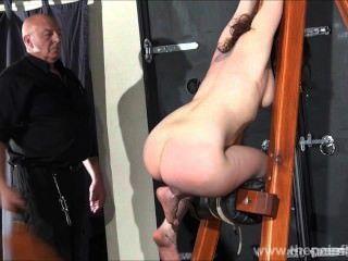 Spanked amateur slavegirl beauvoirs hellpain azotar y mazmorra estricta bd