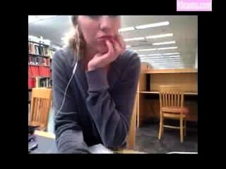 Kendra sunderland en el video de la biblioteca