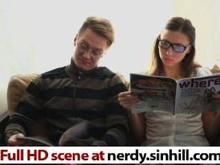 Hottie ruso nerdy follada de acuerdo con freud nerdy.sinhill.com