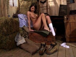 Foxy di masturbándose y jugando con sus pies