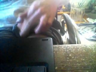 Mi primera vez acariciando mi polla en la cámara disfrutar (: