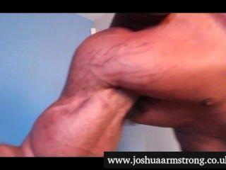 Hipnotizado por un solo bíceps