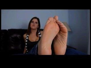 Chica sexy con patas hermosas pov tease