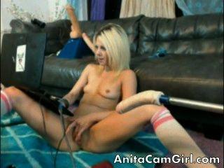 Adolescente caliente asombroso en la webcam