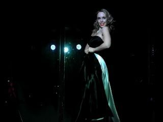 Segundo rendimiento de Belle Epoque de vamps vintage