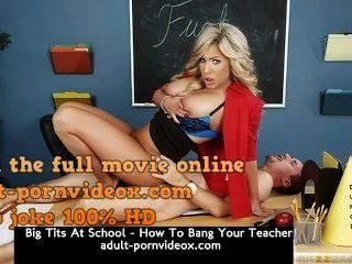 Tetas grandes en la escuela cómo golpear a su profesor