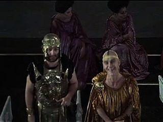 Caligula la escena de enojo