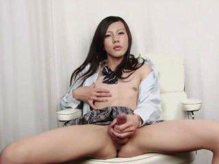 Japonés shemale disparar esperma