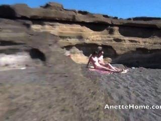 Masturbación a la playa con milf amatrice francaise en webcam directo 24 h